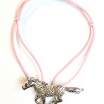 Bracelet cheval rose